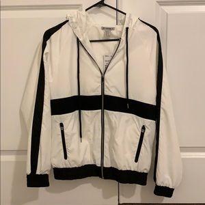 NWT Forever 21 active windbreaker jacket  XS
